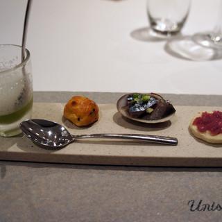 ユニッソン デ クール - 料理写真:セロリのスープ ごまのブリオッシュ 大黒さんま エシャロットのマリネ