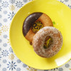 nicoドーナツ - 料理写真:チョコレート(210円)とバニラシュガー(240円)