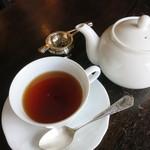 パティスリー ラ・マーレ・ド・茶屋 - 紅茶