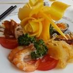 重慶飯店 - アワビ入り 五種前菜