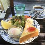 ルクールせきや - ブレンドコーヒー500円とモーニング