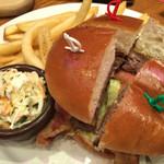 アウトバック ステーキハウス - 許せるハンバーガー。ジャンキーぽくない。
