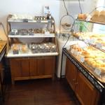 プレイン - パン売り場