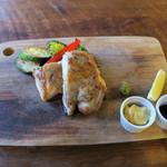 コマザワ パーク カフェ - 国産鶏のローストチキン