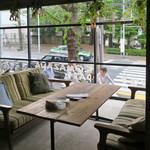 コマザワ パーク カフェ - 駒沢公園が目の前という立地