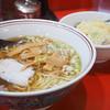 珍來 - 料理写真:半チャーハン+ラーメンのセット