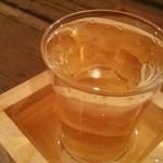 立呑 やまみー - 樽酒350円