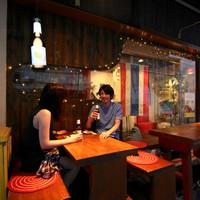 [人気のテラス席]青山の路地裏。ひっそりと佇むタイ料理店。