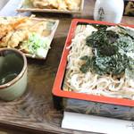 柳屋 そば店 - 料理写真:天ざる