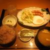 やよい軒 - 料理写真:目玉焼朝食 ¥460- 十六穀米に変更