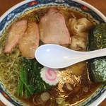 手打中華 特札堂 - ワンタン麺