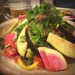 南や - ( ;´Д`)水茄子の青紫蘇サラダ✨みずみずしい♡ #彩鮮やか #野菜補給 #32番街パトロール