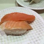 魚べい - サーモン合盛り(108円)