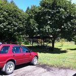 日野水牧場 ファームハウス - 駐車場前にはハンモックなんかもあって雰囲気出てます。