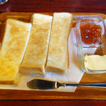 珈琲館 くすの樹 - トースト