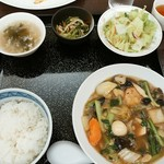 中華菜館 成都 - 料理写真:定番ランチ、八宝菜1000円