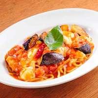 モッツァレラチーズと茄子のトマトソース リングイネ