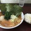 町田家 - 料理写真:ラーメン、味玉、半ライス
