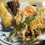 お多福うどん - 野菜の天ぷらです
