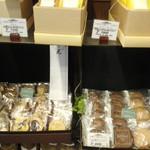 PÂTISSERIE DOUNEL - 焼菓子棚