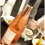 リトル成都 - ワイン。最初はこいつから。