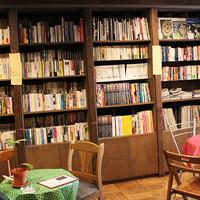 ブックカフェとして読書も楽しめるジャズ喫茶