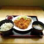 Lunch cafe & ちょい呑み まみ夢 - 日替定食(チキンカツ)