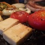 イベリコ豚おんどる焼 裏渋屋 - 豆腐ステーキと野菜焼き。