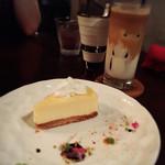 カフェ クラウディブラウン - チーズケーキ/カフェラテ✩︎⡱