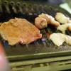 焼肉世界チャンピオン - 料理写真:焼くべし焼くべし!