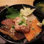 ライブフードマーケット - 海鮮市場丼 770円。青海苔汁 100円。
