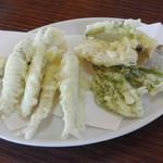 鯉西つけば - ワカサギと野菜の天ぷら