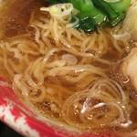 52297590 - ちぢれのある細麺