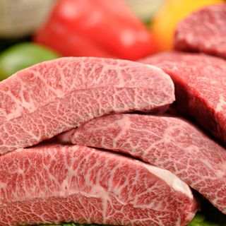 こだわりの肉料理をリーズナブルにご提供致します。