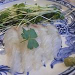 カフェ&イン 吉里吉里 - ヒラメの刺身