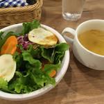 ジャクソンファーム&グリル - セットのサラダとスープ