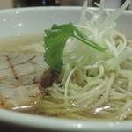 麺屋 ふぅふぅ亭 - 塩ラーメン アップ