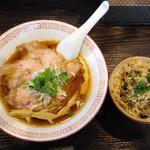 52363277 - 中華そば醤油¥700+炊きこみごはん¥150