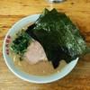 六角家 - 料理写真:ラーメン650円麺硬め。海苔増し100円。