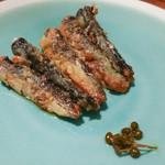 Osteria e Vino PORCO ROSSO - イワシの青山椒のヴィネガー煮