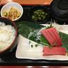まぐろ食堂 七兵衛丸 - 料理写真:本マグロ中トロ刺身定食