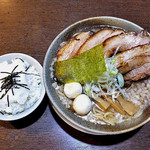 来味 - 料理写真:ちゃっちゃ麺・ちゃーしゅう(大盛り)& とろろご飯(2016年6月)