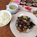 バーミヤン - 料理写真:鶏肉と野菜のトウチ炒め(2016/06/16撮影)