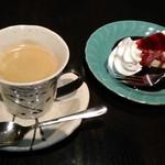 四万温泉 柏屋カフェ - [料理] ケーキセット¥918 全景♪w