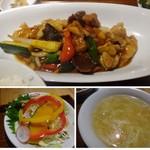 マンダリン マーケット文華市場 - ◆「若鶏と糸品野菜の米麹ピリ辛炒め」は黒酢餡に似た味わいで好みだったようですよ。