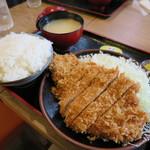 とんかつ 麻釉 - ロースかつランチ860円(税込)
