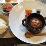 洋食 西原 - 煮込みハンバーグ