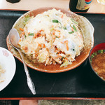 食堂花笠 - 『ちゃんぽん』様(600円)これこれ~沖縄のちゃんぽん食べたかったんですよね~長崎と違って御飯ってのが面白い(笑)