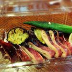萌木 - 料理写真:持ち帰りの惣菜も店内で頂きました byオクカズ