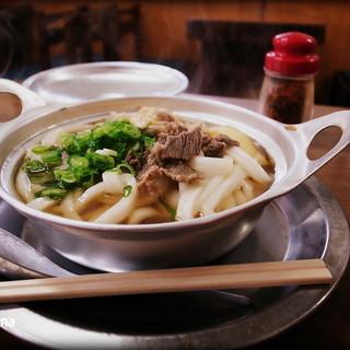 ことり - 料理写真:鍋焼きうどん 520円